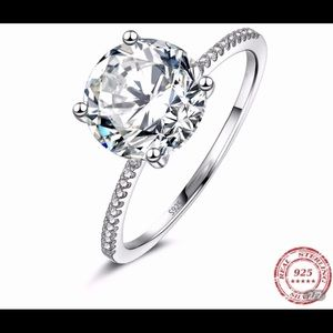 ❤️Gorgeous 3 Carat CZ Hearts&Arrow❤️
